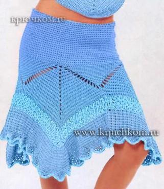 Голубая вязаная юбка крючком