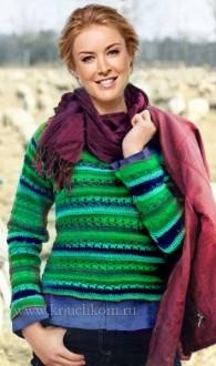 Эффектный женский пуловер в полоску