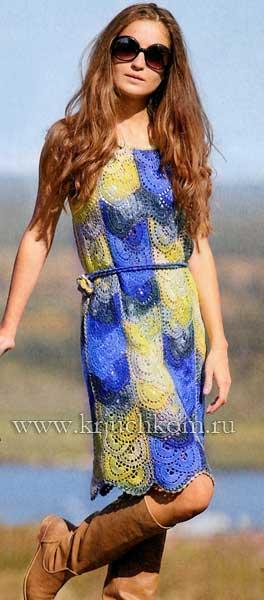 Вязаное платье из ленточного кружева со схемами